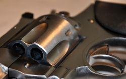 bewaffnetes Handeltreiben